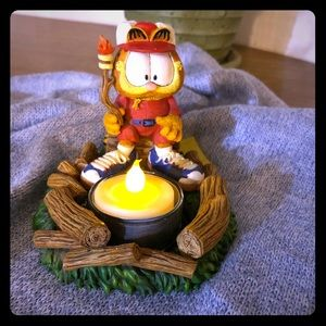 Camping Garfield figurine